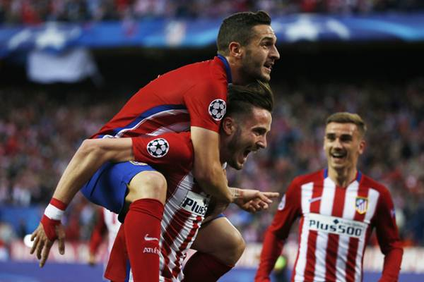 Football Soccer - Atletico Madrid v Bayern Munich - UEFA Champions League Semi Final First Leg - Vicente Calderon Stadium - 27/4/16 Saul Niguez celebrates with Koke after scoring the first goal for Atletico Madrid Reuters / Sergio Perez Livepic EDITORIAL USE ONLY.