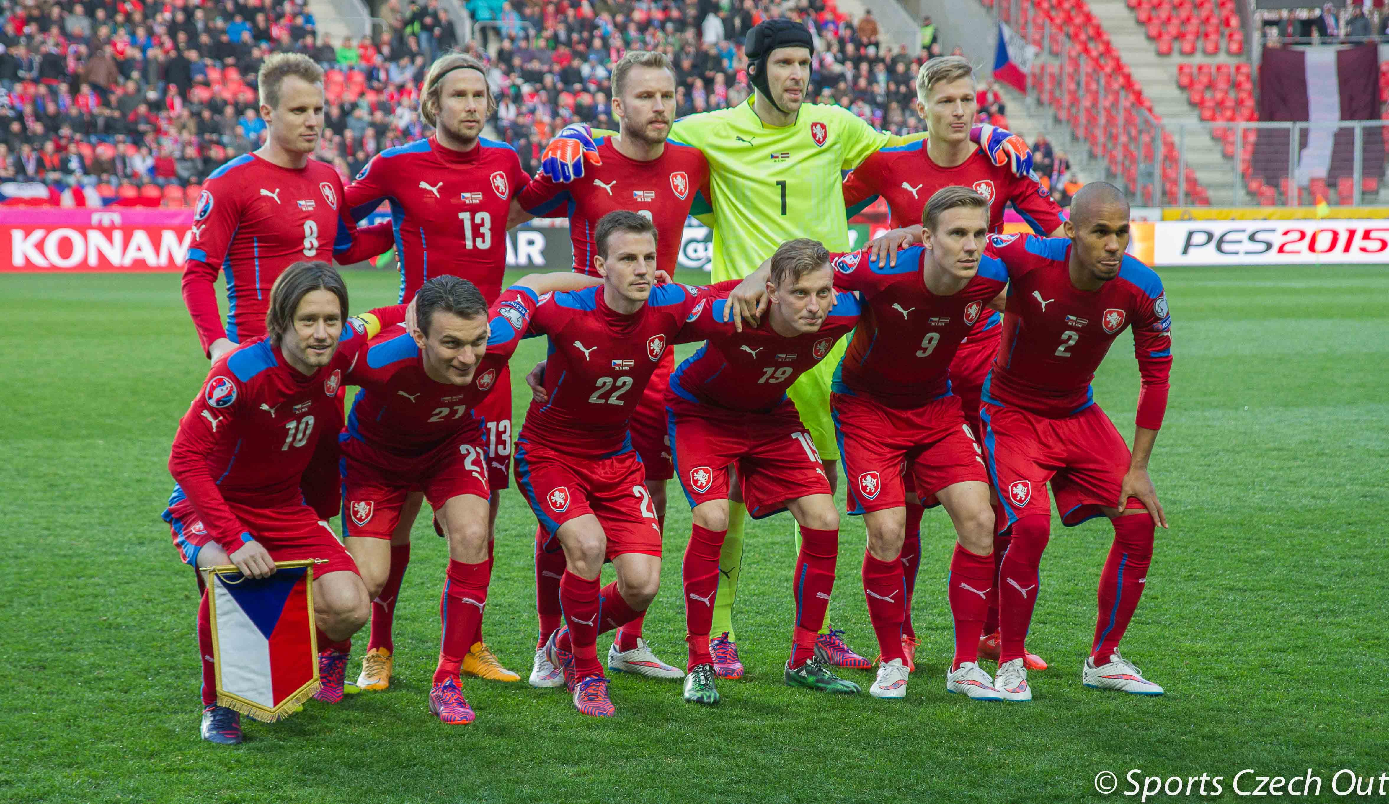 PETR CECH MEMIMPIN SQUAD REPUBLIK CEKO EURO 2016